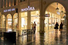 Pandora Grand Canal08